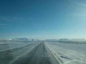 Winterliche Straßenverhältnisse auf dem Weg nach Þingvellir