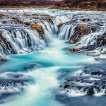 Wasserfälle in Island: Brúarfoss der blaue Wasserfall