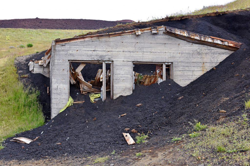Verlassenes Haus auf Vestmannaeyjar (Foto: https://www.flickr.com/photos/hbarrison/)