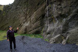 Sprangan ist die Kunst sich an Felswänden von Vorsprung zu Vorsprung zu hangeln
