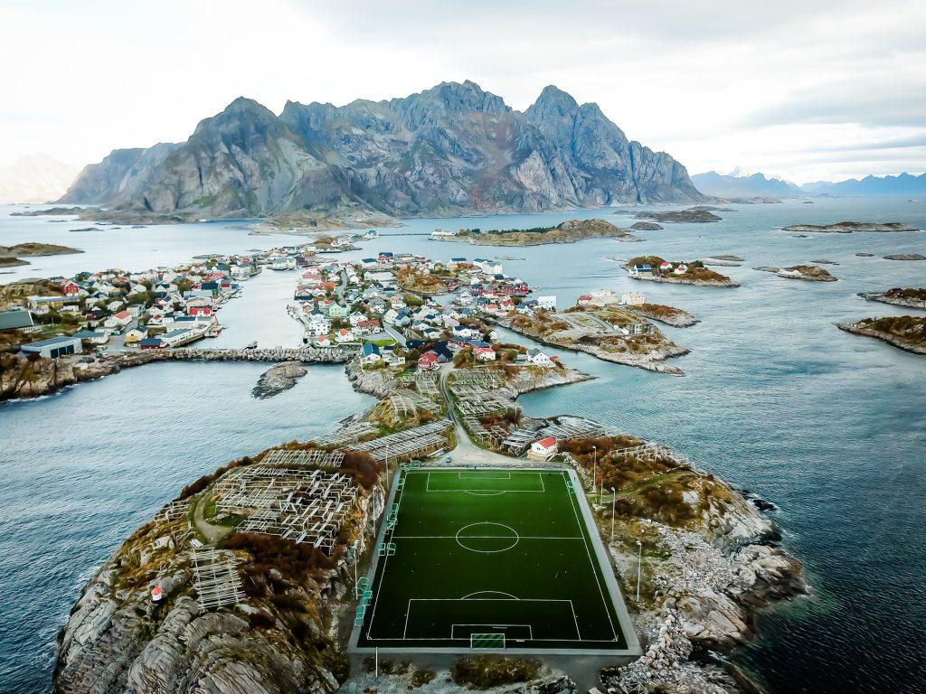 Nicht in Island, sondern Norwegen: Henningsvær Fußball Stadion