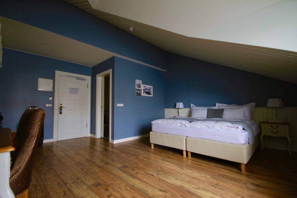 Mein Zimmer im Siglo Hotel in Siglufjörður: Mit Meerblick