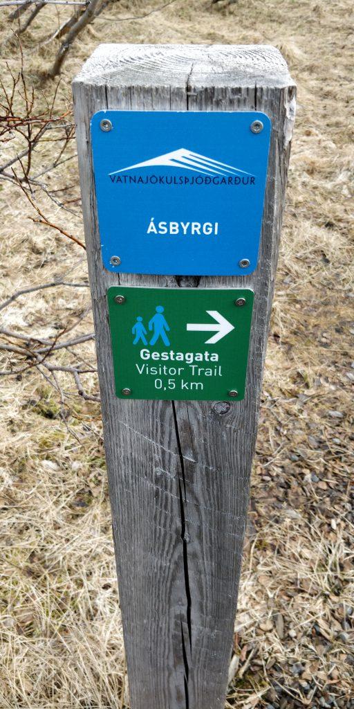Ásbyrgi - Die beeindruckende Schlucht im Norden von Island